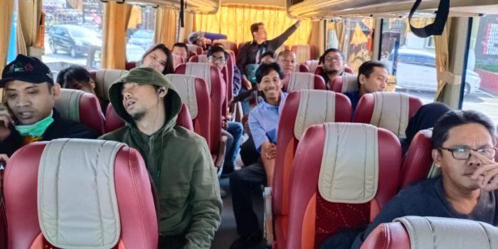 Ada yang melanjutkan tidur dalam perjalanan ke Temanggung